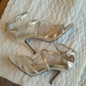 Lulu Townsend Strappy Gold Sandals Sz 7 1/2